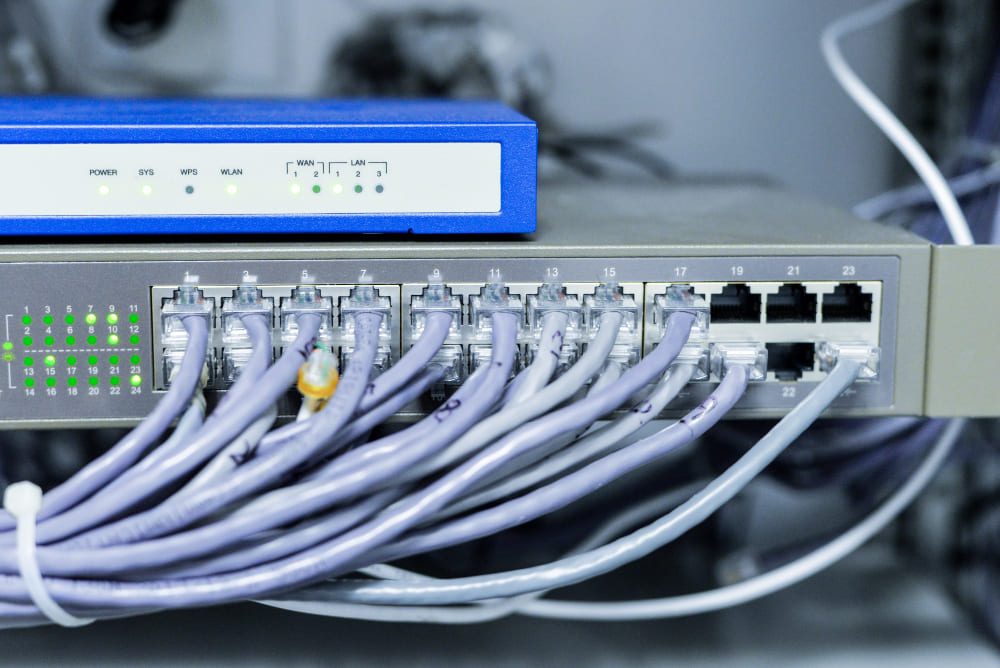 024-brancher-switch-ordinateur